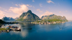 reina-lofoten-norway